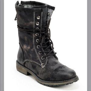 Foxy Concord Black Boots